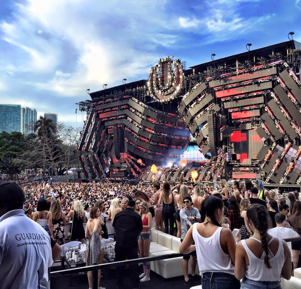 Shot of a daytime crowd of concert goers at Ultra Music Festival in Miami.