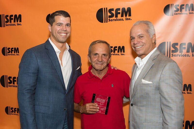 sfm-dec-2016-awards-group-3